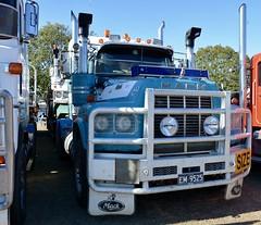 Mack V8 Valueliner (quarterdeck888) Tags: trucks photos truckphotos australiantrucks outbacktrucks workingtrucks primemover class8 overtheroad interstate frosty quarterdeck jerilderietrucks jerilderietruckphotos flickr bdoubles lorry bigrig highwaytrucks interstatetrucks nikon truck claredontruckshow clariontruckshow2018 truckshow australiantruckshows kenworthclassic oldtrucks oldaustraliantrucks australiantransporthistory mack valueliner v8 v8mack v8valueliner expbm pbm