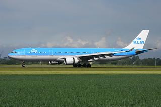 PH-AKE Airbus A330-303 EHAM 20-05-17