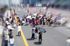 Heat delusion (beeldmark) Tags: tokyo straatfoto shinjuku stad japan city nihon nippon tokio 日本 東京 lensbaby sweet35 新宿 新宿駅 heat hitte zomer hittegolf heatwave