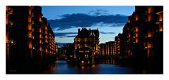 Hamburg - at nightfall (~Scimo~) Tags: hamburg speicherstadt wasserschloss wasserschlösschen sony deutschland rx100 architecture architektur city dusk building water urban scimo
