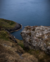 A look down towards the sea (G. Warrink) Tags: wales visitwales cymru findyourepic lovewales beautifulwales discoverwales llynpeninsula sea coast rocks water shore mynyddmawrcoastguardshut
