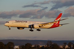 VH-ZNC Qantas Boeing B787-9 Dreamliner (johnedmond) Tags: perth ypph westernaustralia qantas flyingkangaroo boeing b787 7879 dreamliner australia aviation aircraft aeroplane airplane airliner sel55210 55210mm ilce3500 sony