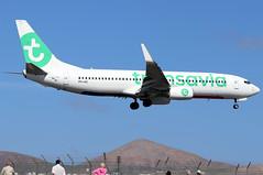 PH-HZI_02 (GH@BHD) Tags: phhzi boeing 737 738 b737 b738 737800 hv tra transaviaairlines airliner aircraft aviation ace gcrr arrecifeairport arrecife lanzarote