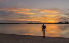 Entre foto y foto la tontuna ;)) (Amparo Hervella) Tags: villafrancadeloscaballeros toledo españa spain laguna nube reflejo naturaleza d7000 nikon nikond7000