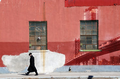 Brooklyn wall art (https://tinyurl.com/jsebouvi) Tags: brooklynwallart art photo drawing painting man walking red architecture newyork artist doubleexposure street streetphoto jsebouvi new decoration design city passing
