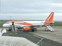 OE-LQS (Harvey's Aviation Images) Tags: airplane airport ronaldsway isleofman iom egns easyjet easyjeteurope a319 a319111 airbus oelqs