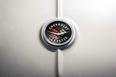 (Paul Mackay Photographie) Tags: clean old carshow gray 50mm nikond800 nikon chevrolet logo corvette cars car