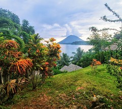Panorama Dive Resort at Bunaken (vic_206) Tags: lgg6 explore landscape movilphone sulawesi bunaken panoramadiveresort indonesia paraiso paradise