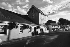 The Castle, Gleann Maghair (Rhisiart Hincks) Tags: taberna teachtabhairne tafarn taighseinnse ostaleri pub publichouse glanmire gleannmaghair thecastle éire èirinn īrija iwerddon iwerzhon ireland irlanda ирландия 爱尔兰 írország airija 愛爾蘭 contaechorcaí swyddcorc countycork