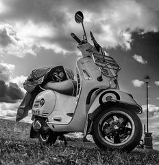 DSG_4936bw.jpg (alfiow) Tags: scooterrally scooters seafront
