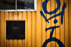 OHTO (iamunclefester) Tags: münchen munich colorful yellow blue window container construction site grill ventilation lines abstract street groove grooves graffiti tag