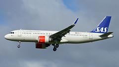 SE-ROC 2018-04-26 AMS (Gert-Jan Vis) Tags: seroc airbus a320 a320neo schiphol sas scandinavian 7723