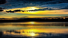 Looking West (Bob's Digital Eye) Tags: aug2018 bobsdigitaleye canon canonefs1855mmf3556isll cloud clouds flicker flickr glow glowing laquintaessenza lake lakesunset outdoor reflection skies sky sun sunset sunsetsoverwater t3i water