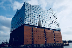 The Elbphilharmonie (setoboonhong) Tags: travel hamburg harbour city the elbphilharmonie landmark architecture glass building brick viewing platform concert halls hotel residences restaurants grand hall germany