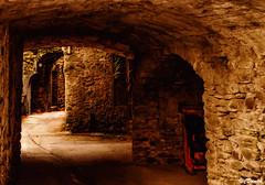 Girovagando tra i vicoli di Ponticello (danilocolombo69) Tags: archi case bizantini casetorre danilocolombo69 nikonclubit danilocolombo medioevo casedisasso