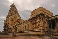 Brihadeesvara Temple (Debatra) Tags: brihadeesvaratemple brihadeesvara temple cholan chola engineering architecture hinduism hindu india southindia tamilnadu tamil thanjavur tanjore nikon nikkor 1855 1855mm d3300 skyporn