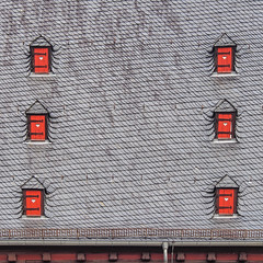 Slate roof with six dormers (Ulrich Neitzel) Tags: closed dach dormer gaube geschlossen giessen mzuiko1250mm olympusem5 red roof rot schiefer slate square neuesschloss