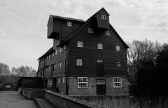 Houghton Mill: 4 (Benedict Todd) Tags: mill olympus watermill epson tmax400 homedeveloped film id11 om2n 4490 analogue river zuiko cambridgeshire nationaltrust industrial tmy2 bw ilford houghtonmill kodak