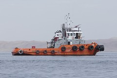 Tugboat Tiamat in the bay of Paracas / Pisco Peru 2018 (roli_b) Tags: tugboat ship schiff boot boat vessel tug schlepper tiamat bay bahia paracas pisco peru 2018 marine port harbour