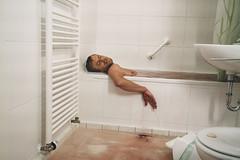 "Tatort ""Freies Land"" (2018)   Niels Osthorst (jackofdiamonds555) Tags: tatort münchen reichsbürger badewanne selbstmord suicide batic leitmayr leiche nielsosthorst mord murder bathroom krimi crime csi action ard bayern"