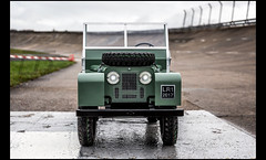 Land Rover Defender Electric Toy (Laurent DUCHENE) Tags: automobile automobiles auto autodrome motorsport linasmontlhéry car 2017 land rover defender electric toy shooting