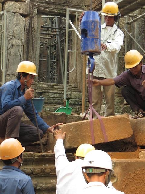 バイヨン・インフォメーションセンターと修復現場と農村訪問(シェムリアップ発のオプショナルツアー)
