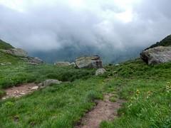 Rocky view (sander_sloots) Tags: rocks view mountain clouds switzerland swiss schweiz zwitserland suisse berg mountains bergen rotsen wolken mürtschenstock grass hiking wandelen wandern landschap felsen