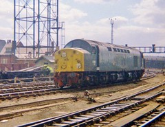 EE Type 4 at Newcastle (Jeff Mckever) Tags: newcastlecentralstation englishelectrictype4 class40 1960s 1970s kodakinstamatic