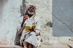 Teaching Sadhu, Vrindavan India (AdamCohn) Tags: adamcohn hindu india vrindavan holi holyman pilgrim pilgrimage preacher preaching sadhu teacher होली
