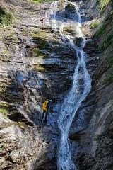 Rápeles en serie (jaecheve) Tags: rapel lapazosa bujaruelo huesca aragon españa spain pirineo pirineos pyrennees barranco barranquista barranquismo canyonering