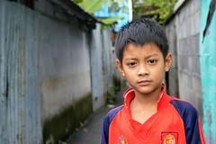 boy in his football jersey (the foreign photographer - ฝรั่งถ่) Tags: boy football jersey khlong thanon portraits bangkhen bangkok thailand nikon