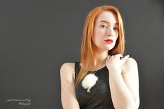 LEO_6544 copie signée copie (jeanfrancoislaforge) Tags: leonmoon leona woman bijoux jewel fur nikon d850 ginger rousse redhead model leonamoon takara takarabijouxmode