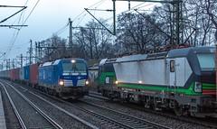 012_2018_03_22_Hamburg_Harburg_6193_848_EGP_mit_Containerzug_Hafen_6193_278_ELOC_mit_Containerzug_Süden (ruhrpott.sprinter) Tags: ruhrpott sprinter deutschland germany allmangne nrw ruhrgebiet gelsenkirchen lokomotive locomotives eisenbahn railroad rail zug train reisezug passenger güter cargo freight fret hamburg harburg boxx brll ctd db dispo egp ell eloc hctor locon lte me mteg nrail öbb pkpc press rhc sbbc slg vps wiebe wlc 1203 1214 1216 1223 3294 4180 5370 5401 6101 6110 6143 6146 6152 6182 6186 6187 6193 es64u2 logo natur graffiti