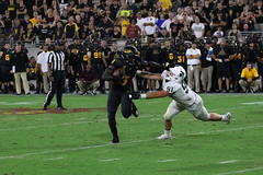 ASU vs MSU 754 e (Az Skies Photography) Tags: asu msu arizonastateuniversity arizona state university september82018 football michigan michiganstate michiganstateuniversity tempe az tempeaz sun devil stadium sundevilstadium sundevil sundevils september 8 2018 9818 982018 action athlete athletes sport sports sportsphotography canon eos 80d canoneos80d eos80d canon80d athletics sundevilfootball spartans msuspartans michiganstatespartans asusundevils arizonastatesundevils asuvsmsu arizonastatevsmichiganstate pac12
