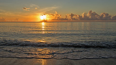 Sunrise as seen in Hollywood Florida FLK35856 (tonyteeimages2) Tags: sunrise sun sunshine water ocean sea beach waves morning eastcoast easternusa vacation family southflorida hollywoodflorida florida