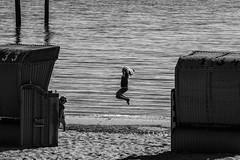Joy (ulidolz) Tags: canon eos5dmarkiv blackwhite schwarzweis strand beach fun spielen kinder children nordsee northsea
