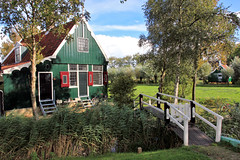 Zaanse Schans - Zaandam, North Holland, Netherlands (Petitecornichon) Tags: netherlands holland 2017 zaanseschans northholland zaandam zaan river zaandijk