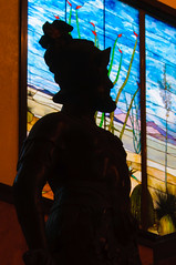 Conquistador Silhouette (William Horton Photography) Tags: arizona chicagoschoolofarchitecture douglas gadsdenhotel gadsdenpurchase henrytrost johngadsden marble tiffanycompany architecture baroque conquistador goldleaf historichotel hotel lobby skylight stainedglass statue unitedstates us