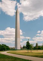 Velvia Washington Monument (Packing-Light) Tags: 120 6x45 mamiya6451000s analog film mediumformat fujichrome velvia50 rvp50 fuji chrome slides e6 vibrant saturated washingtondc monument america capital
