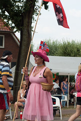 Lady in pink (j.elemans) Tags: lady pink 4daagse flirty repute sweet sweets fruit date sexy hat flag usa norway starsandstripes amsterdam walking dame roze wandelen regenboog klompen dutch rozewoensdag pinkwednesday gay