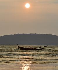 Ao Nang Beach (Andreas Gugau) Tags: natur strand landschaft meer sand sandstrand abend indischer ozean aonang thailand schiffe boote sonnenuntergang