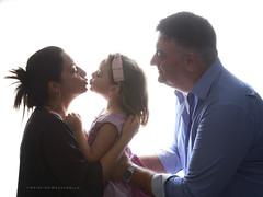 RITRATTO DI FAMIGLIA (Aristide Mazzarella) Tags: ritratto portrait family di famiglia aristide mazzarella fotografo photographer nardò salento lecce puglia apulia controluce backlight