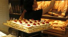 Saturday Colours - Mille-Feuilles (Pushapoze (NMP)) Tags: spain espagne espana sevilla cake napoleon millefeuille kremschnit lacanasta