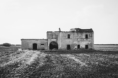 (Seb Lo Turco) Tags: abbandono abandonedplaces puglia apulia italy bn 123bw