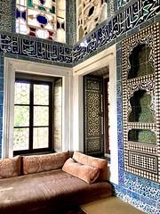 topkapı sarayı/istanbul summer 2018 (tamamtamam) Tags: topkapıpalace interiordesign ottoman ottomanarchitecture topkapısarayı topkapımuseum istanbul turkey calligraphy mosaics