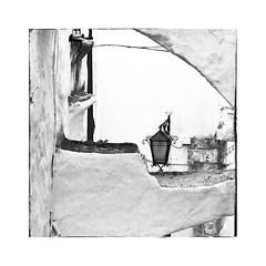 La lampe (Jean-Louis DUMAS) Tags: voyage italia italie wite blanc mur lampe monochrome blackandwhite black bw noireetblanc noiretblanc noir