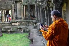 Angkor, Cambodia (Luis L.Modrego) Tags: monje budista angkor temple cambodia camboya fav5