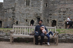 Alice and I (Laocoonte) Tags: caernaforn castello castle galles uk wales