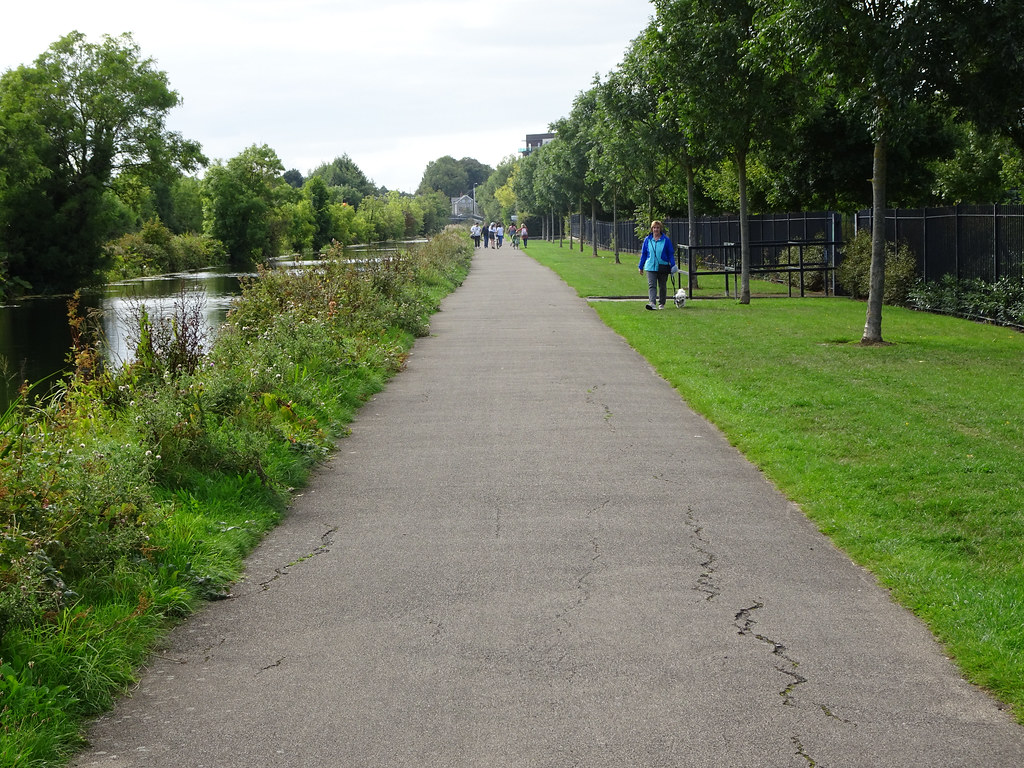 FROM REILLYS BRIDGE TO ASHTOWN ALONG THE ROYAL CANAL WAY [INCLUDING ROYAL CANAL PARK AND RATHBORNE]-143942