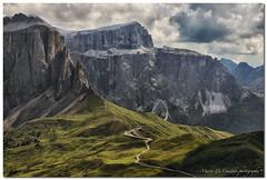 "Passo Sella (""Deca"") Tags: dolomiti dolomites passosella gruppodelsella montagna mountain forcellasassolungo sassolungofork agosto august estate summer panorami landscapes"